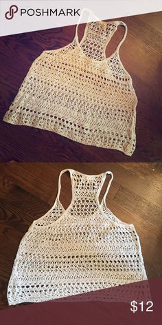 Woven cream colored tank top Hollister woven knit tank top. Great for summer!! Very cute! Hollister Tops Tank Tops