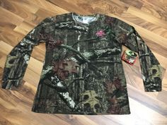 NEW - Womens Size Large Fitted Mossy Oak BreakUp Infinity Camo Country Shirt Top #MossyOak #KnitTop #Casual