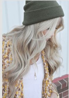 Platinum blonde with a hint of silver #onpoint