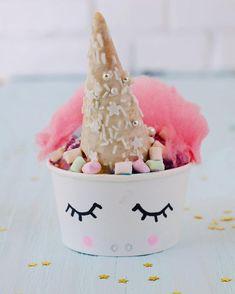 May your Saturday be filled with icecream and unicorns! Ich bin ganz verliebt in das Einhorn Eis  Sieht es nicht fast zu schade zum Essen aus ?!?  Aber das ist nur theoretisch, denn meine Kinder und ich haben gestern alles verputzt  Yummy!