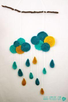 Modern crochet mobile / wall hanging idea for nursery/baby's room