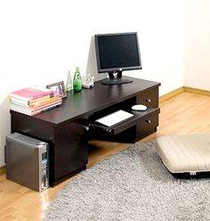 【(低いパソコン机は)ローデスクでスライド棚】圧迫感を感じにくいロータイプのパソコンデスク。スライド棚付きで便利に使えます。引き出しや棚もあるので収納のタップリできます!商品ページ→ http://katsuyanetcompany.shops.net/item?itemid=21904