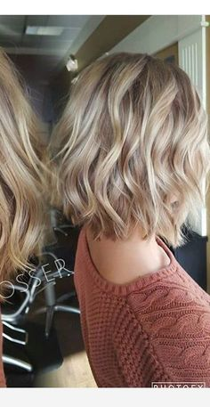 40 best messy short hairstyles ideas for 2019 37 - Hair Styles 2019 Short Hair Styles For Round Faces, Hairstyles For Round Faces, Medium Hair Styles, Curly Hair Styles, Quick Hairstyles, Wedding Hairstyles, Short To Medium Hairstyles, Short Hair For Round Face Plus Size, Choppy Bob Hairstyles For Fine Hair
