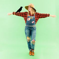 Save this last-minute Halloween costume idea to dress up as a scarecrow.
