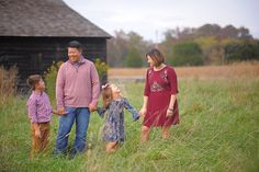 Melbourne Florida Fall Family Portraits | The Shin Family - Amanda McMahon Photography-Melbourne Florida Photographer #familyportraits #familyphotographer #familyoffour #fallfamilyportraits #floridaphotographer #portraits #fallfamilyportraits