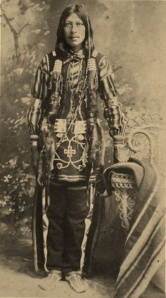 An unidentified man of the Ponca Tribe, circa No additional information. Native American Dress, Native American Pictures, Native American Wisdom, Native American Beauty, Native American Tribes, Native American History, Native Americans, Oklahoma, Nebraska