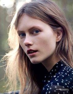 Julie Hoomans and Jing Wen by Benjamin Alexander Vogue China June 2016 | THE…