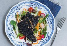 Seesamisiika ja salaatti | Koti ja keittiö Koti, Fish, Ethnic Recipes, Ichthys