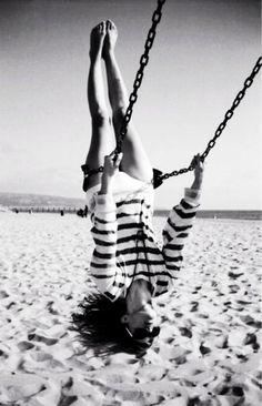 Portrait - Movement - Swing - Feeling Free - Almost Flying - Black and White - Photography