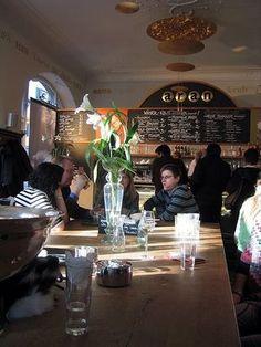 squirrels & tea: Cool Cafe's - Interiors and Exteriors Love Cafe, Cafe Me, Exterior Design, Interior And Exterior, Farm Cafe, Cafe Interiors, Kids Corner, Coffee Shops, Brainstorm