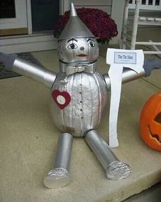 Tin man pumpkin. How cute! He's always been my favorite.