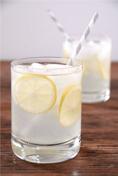 Aloe Lemonade--1/2 cup freshly squeezed organic lemon juice, 1/2 cup aloe vera juice, 2 cups water, 20 drops liquid stevia