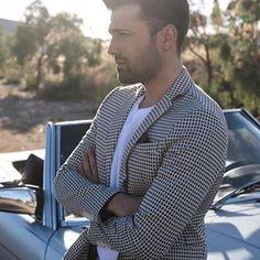 «Μέσα στο μυαλό μου ήτανε όλα» #argiros #psemata #skg Male Models, Beautiful Men, Sexy Men, Handsome, Singer, Blazer, Guys, How To Wear, Jackets