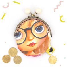 Porte-monnaie original, visage de poupée, fait-main avec mes propres dessins, fermoir clip en métal, cadeau pour la fete des meres, 8x12 cm Clip, Coin Purse, Etsy, Motifs, Parfait, France, Accessories, Cotton Canvas, Handmade