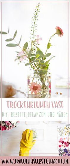 In diesem Jahr habe ich eine für mich ganz neue Methode im Bereich Blumenpressen ausprobiert und mich riesig gefreut, dass alles so gut geklappt hat. Wie genau das funktioniert und wie ich die gepressten Blumen für Vase, Table Decorations, Tableware, Inspiration, Diy, Home Decor, Basteln, Fresh Flowers, Drink Coasters