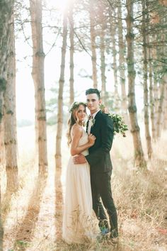 I have so many ideas for our One Year Anniversary Photos. Wedding Fotos, Wedding Shoot, Wedding Couples, Wedding Pictures, Farm Wedding Photos, Hipster Wedding, Wedding Bouquet, Wedding Bride, Wedding Hair