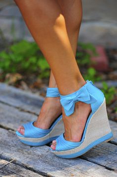 Baby Blue Bow Wedges