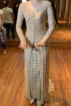 Kebaya Lace, Kebaya Hijab, Kebaya Dress, Model Kebaya Modern, Kebaya Modern Dress, Kebaya Wedding, Thai Wedding Dress, Dress Brokat, Fancy Dress Design