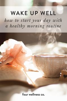 Tips and ideas for waking up well and starting the day with positive and productive activities that help maintain energy, good mood, and a healthy lifestyle throughout the day. Healthy Lifestyle Tips, Healthy Living Tips, Healthy Habits, Lifestyle Group, Pho, Wellness Tips, Health And Wellness, Positive Thinking Exercises, Healthy Morning Routine