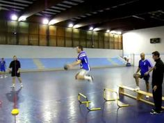 Préparation physique intégrée au handball - YouTube