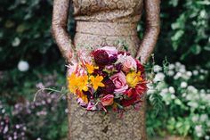 Bright and colourful wedding bouquet. Photography by www.caroweiss.com