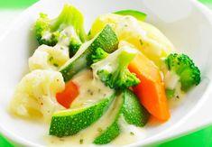 Légumes vapeur en sauce blancheDécouvrez la recette des légumes vapeur en sauce blanche >> Naan, Actifry, Tortilla Wraps, Finger Foods, Broccoli, Menu, Vegetables, Pesto Rouge, Foie Gras