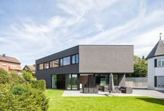 H House by ZHAC