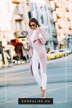 Ki mondta, hogy ősszel le kell mondanod a bájos pasztellekről, és a sötét színekre kell korlátoznod magad? Egy csinos, nőies rózsaszín kabát minden évszakban divatos választás. Viselheted visszafogott árnyalatokkal, például fehérrel vagy bézzsel, de az élénk pink jól mutat feketével is. A fazonok tekintetében is minden szóba jöhet, az elegáns szövetkabátoktól kezdve, a sportos széldzsekiken át, egészen a steppelt kabátokig. #őszidivattippek #rózaszínkabát #kabátdivat #őszikabát #outfittipp Parka, Duster Coat, Jackets, Outfits, Fashion, Down Jackets, Moda, Suits, Fashion Styles