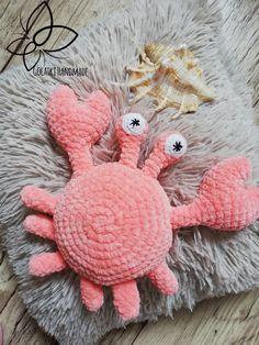 Sweet crab 🦀🦀🦀  Wzor od / pattern from  Maria Kostyuchenko  Yarn: himalaya dolphin baby  #crochettoys #maskotki #zabwki #szydełko #szydełkowanie #rękodzieło #diy #handmade #yarn #häkeln #ganchillo #Вязаниекрючком #wool #himalayadolphinbaby #amigurumilove #myhobby #virka #szydełkiem #amigurumi #potd #crab #krab #muszla #morze #morskiswiat #instacrochet #ig #igcrochet