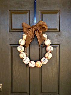 Baseball season means you need to make yourself a baseball wreath!