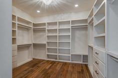 Luxury Walk In Closet Design Ideas for the Sophisticated Home Walk In Closet Design, Closet Designs, Ideas De Closets, Closet Ideas, Linen Cabinets, Closet Curtains, Condo Furniture, Closet Layout, Master Bedroom Closet