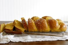 Pumpkin Challah | girlversusdough.com @girlversusdough #pumpkin #baking #bread #recipe #virtualpumpkinparty