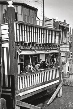 The Prospect Of Whitby, a public house on the River Thames at Wapping, 26th September 1942. Originally named the Devil's Tavern for its nefarious clientele, it was rebuilt and renamed in the early 19th century. Original Publication : Picture Post - 1230 - A Quiet Evening In A Riverside Pub - pub. 1942 (Photo by Kurt Hutton/Picture Post/Hulton Archive/Getty Images)