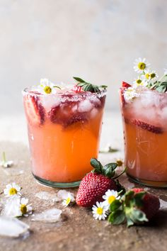 Delicious fresh and fruity spring cocktails and mocktail recipes - Smoothie, Juice, Shake, Drinks - Coffee Spring Cocktails, Refreshing Cocktails, Fun Drinks, Yummy Drinks, Beverages, Vodka Cocktails, Vodka Martini, Easy Cocktails, Party Drinks