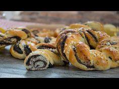 Velikonoční makové věnečky / Helenčino pečení - YouTube Bagel, Doughnut, Sushi, Cheesecake, Bread, Cooking, Ethnic Recipes, Sweet, Desserts