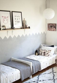 two tone wall with nice border