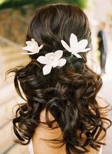 If my cousin steals my look for the wedding, I'll do this instead. My hair looks just like that (if all my frizzies are tamed)!