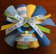Baby Corsage ~ How sweet! Baby Showers, Distintivos Baby Shower, Baby Shower Items, Baby Shower Crafts, Baby Shower Diapers, Baby Shower Gender Reveal, Baby Crafts, Shower Party, Baby Shower Parties