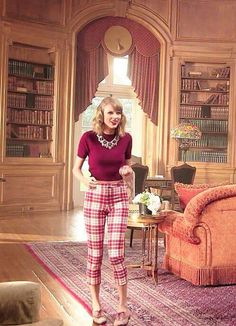 "Taylor in the ""Blank Space"" video!"