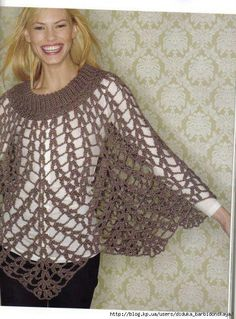 crochet sweaters poncho and gilet Crochet Cape, Crochet Poncho Patterns, Shawl Patterns, Knitted Poncho, Crochet Scarves, Crochet Shawl, Crochet Clothes, Knit Crochet, Crochet Sweaters