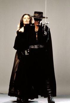 Catherine Zeta Jones, The Legend Of Zorro, The Mask Of Zorro, Famous Celebrities, Female Celebrities, Western Comics, Westerns, Susan Sarandon, Cosplay Characters