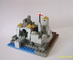 Lego Mocs Micro ~ Micro-scale Castle: A LEGO® creation by Peter Lewandowski