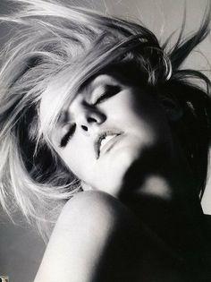 Beauty blonde in the wind.