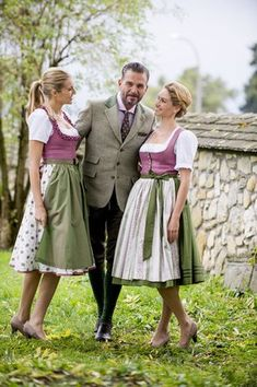 Tostmann Trachten: Alltagsdirndl    [S♥] German Beer, Trendy Outfits, Dress Skirt, Folklore, Womens Fashion, Skirts, Outfit Ideas, Clothes, Vintage