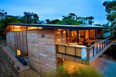 Casa Citriodora diseño minimalista en madera / Seeley Architects, Australia http://www.arquitexs.com/2014/04/casa-citriodora-diseno-minimalista-en-madera.html