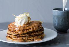 Sitruuna-ricottaletut ja paahdettu suola-hunajakastike | Koti ja keittiö Something Sweet, Waffles, Treats, Snacks, Breakfast, Koti, Desserts, Sweet Like Candy, Breakfast Cafe
