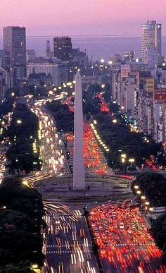 Traffic circle on Avenida 9 de Julio. http://www.travelmagma.com/argentina/things-to-do-in-buenos-aires/
