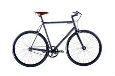 Produciamo biciclette artigianali su misura interamente fatte in Italia - made in italy - di elevata manifattura e qualità. Il progetto viene fatto con e per il cliente creando un'esperienza unica.  Modelli per la città per il commuter, per il cicloturismo - treking e long distance - pista - pistard