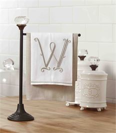 By Mud Pie Cast iron towel holder has vintage-style glass door knob accent at top. Perfect Decor for any kitchen or powder room. Mud Pie Kitchen, New Kitchen Doors, Kitchen Door Knobs, Old Door Knobs, Glass Door Knobs, Kitchen Towels, Kitchen Decor, Kitchen Ideas, Kitchen Stuff
