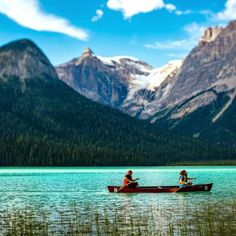 Canoe believe how beautiful these Canadian lakes are? via @onelapse
